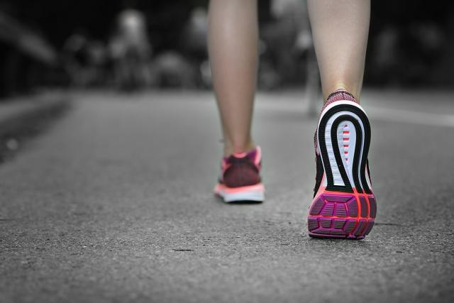 健康になるための最適な歩数とは?普段の生活から多く歩くための工夫5選