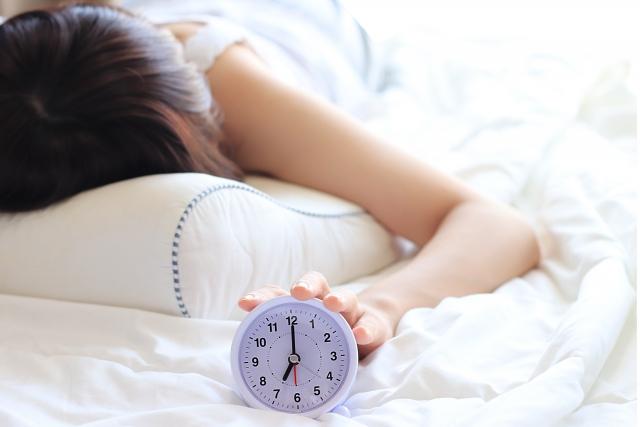 睡眠の理想的な時間は?睡眠の質を上げてより快適な毎日を過ごす方法