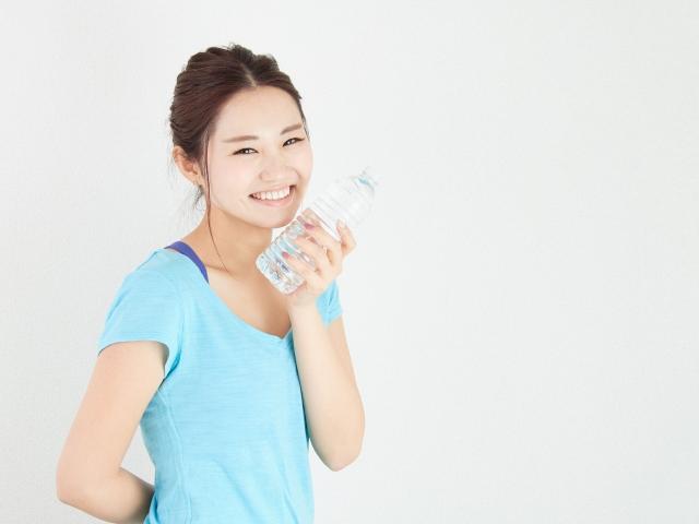 ペットボトルで小顔に!?ペットボトルを利用したダイエットトレーニング紹介
