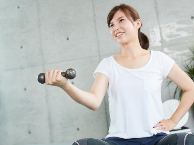 自宅で簡単ダイエット!アイソメトリックストレーニングの効果とやり方