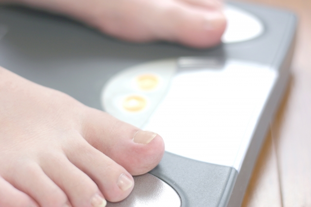 脂肪1kgは何キロカロリー?1kgの脂肪を燃焼するために必要な運動量とは?