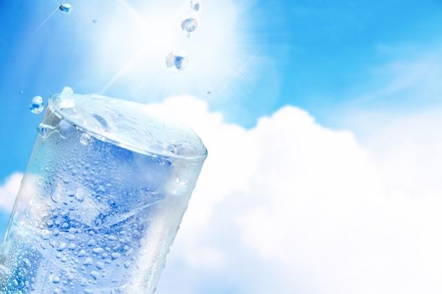 水だけで痩せることは可能?水ダイエットは成功するのか?